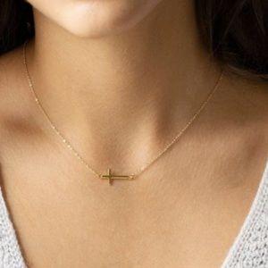 ✨✨Sideway cross Necklace✨✨